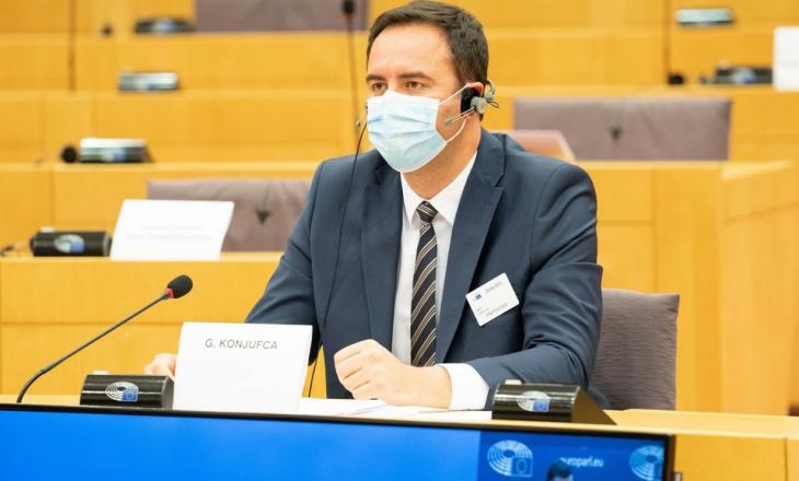 Konjufca: Mosliberalizimi i vizave zvogëlon frymën e vlerave evropiane në Kosovë