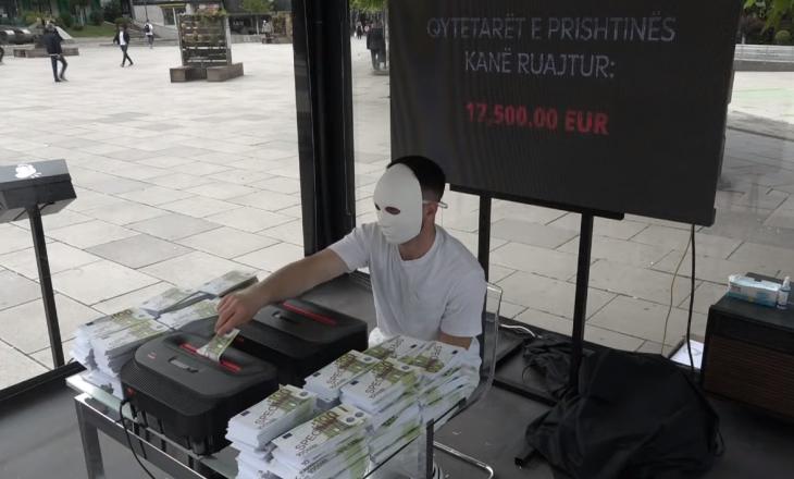 """Prishtinë: Nis performanca """"Sinjalizo"""" kundër korrupsionit"""