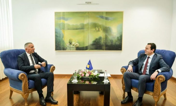 Kurti takohet me Kamberin, flasin për të drejtat e shqiptarëve në Serbi