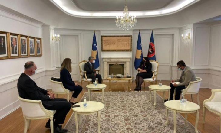 Presidentja Osmani priti në takim lamtumirës shefin e Zyrës së UNICEF-it në Kosovë