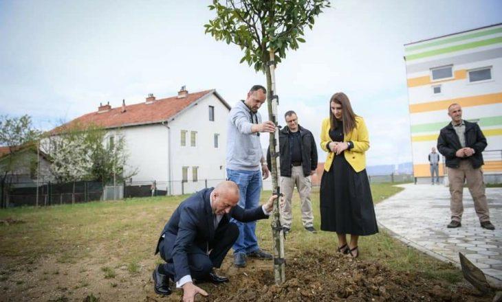 Haradinaj në ditën e Mjedisit: Vetëm bashkë mund ta përmirësojmë jetesën në vendin tonë