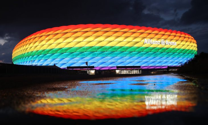 Refuzohet kërkesa e Mynihut për ndriçimin e stadiumit me ngjyra ylberi