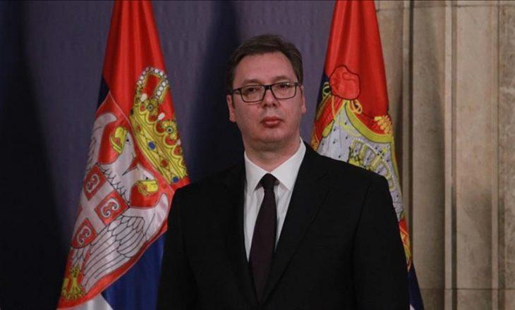 """Eksperti amerikan: Vuçiq të kërkojë falje dhe të heqë emertimin e rrugës """"Kasapit të Bosnjës"""""""