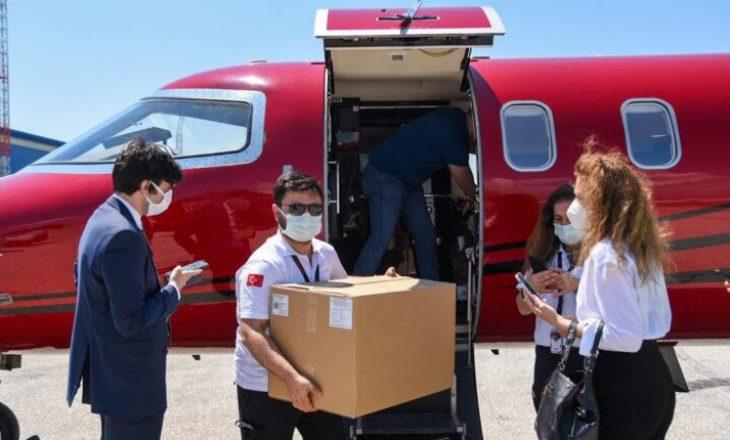 Arrijnë 30 mijë vaksina donacion nga Turqia në Maqedoni të Veriut