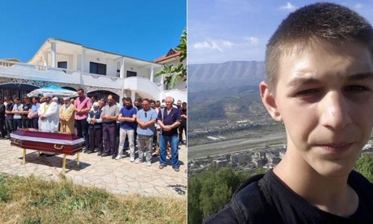 Varroset 19-vjeçari që u vra në Velipojë