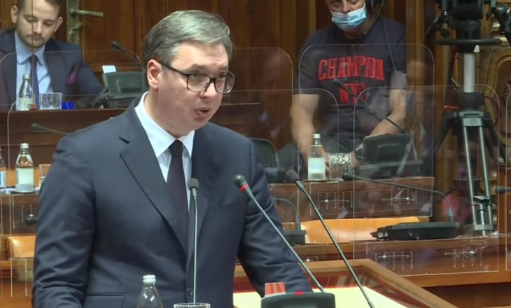 """Vuçiq para deputetëve serbë: E ardhmja varet nga zgjidhja e """"problemit"""" të Kosovës"""