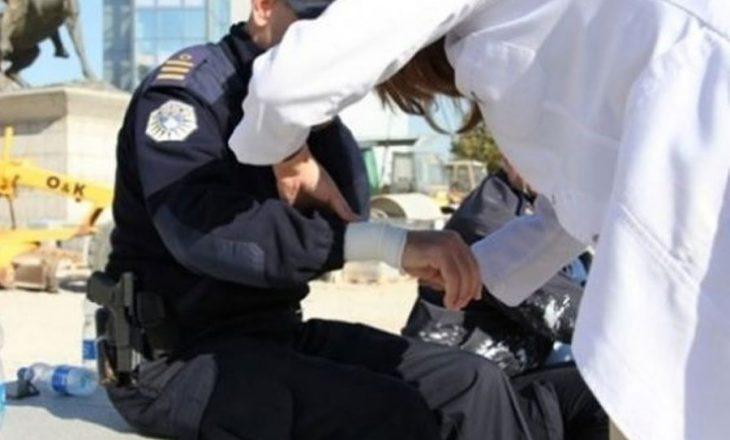 Donin ta arrestonin – sulmon zyrtarët policorë