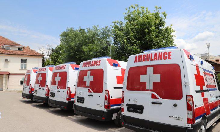 Ministria e Shëndetësisë blen pesë autoambulanca rreth 350 mijë euro