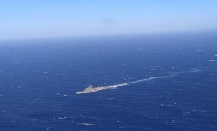 Disa migrantë të zhdukur pasi anija u mbyt në Detin Egje
