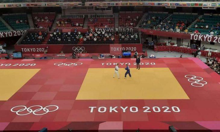 Akil Gjakova mposhtet në çerekfinale, mbetet në garë për medaljen e bronztë