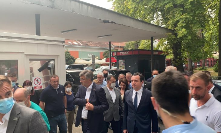 Kurti viziton të lënduarit nga aksidenti në Kroaci: Jam këtu për t'ju qëndruar afër