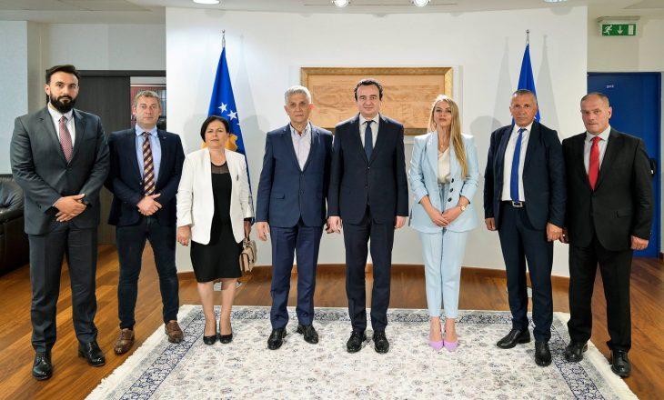 Qeveria: Gjashtë deputetë të Kuvendit të Serbisë njohin pavarësinë e Kosovës