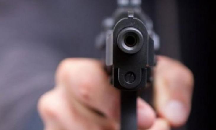 Policia ndalon dy persona për armë mbajtje në Prishtina