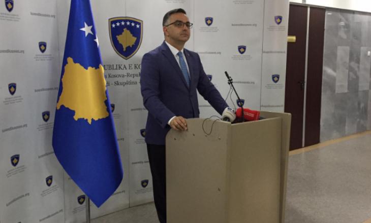 Tahiri: Kurti po i zhvillon takimet me Vuçiqin pa i raportuar Kuvendit