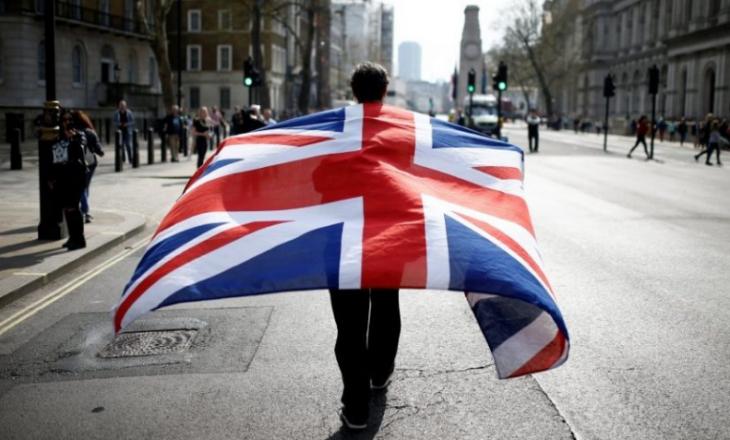 Paralajmërohet lehtësimi i masave anti-COVID në Britani të Madhe