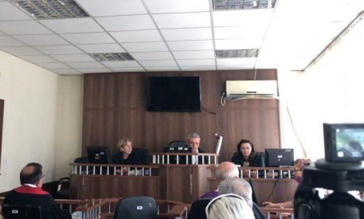 """E akuzuara bashkë me të bijën për vrasje në Malishevë: """"S'e vrava në mënyrë dinake por ashiqare – isha e kërcënuar"""""""