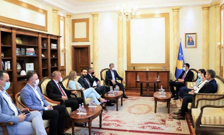 Konjufca takon deputetët shqiptarë në parlamentin serb