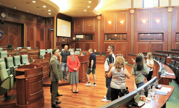 150 bashkatdhetarë vizitojnë Kuvendin e Kosovës
