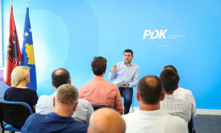 Zgjedhjet lokale: Krasniqi takohet me kryetarët e degëve të PDK-së