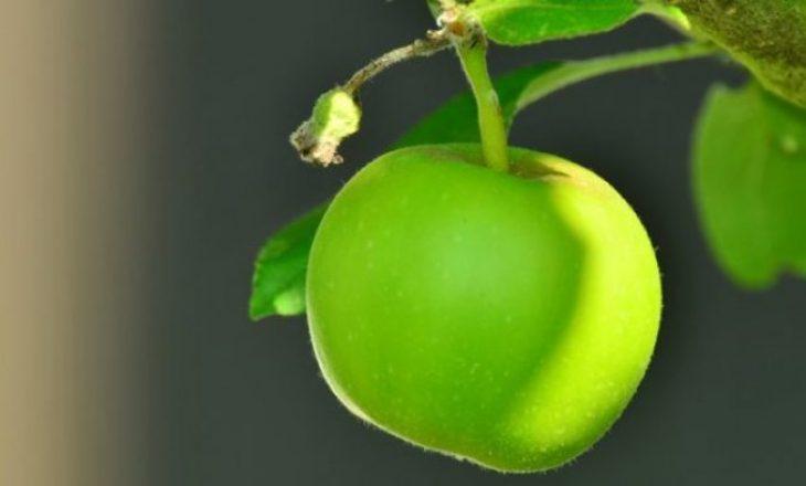 Pse duhet t'i hani mollët jeshile me lëkurë?
