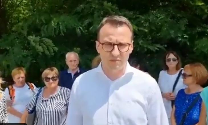 Petkoviq: Kosova ndaloi dy autobusë me pelegrinë