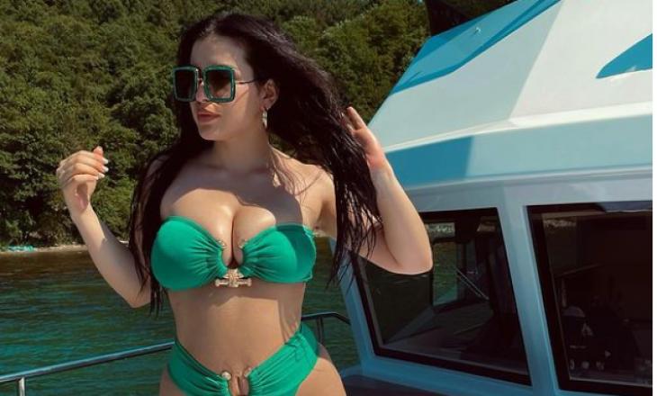 Elita Rudi befason me pozat në bikini pak muaj pas lindjes