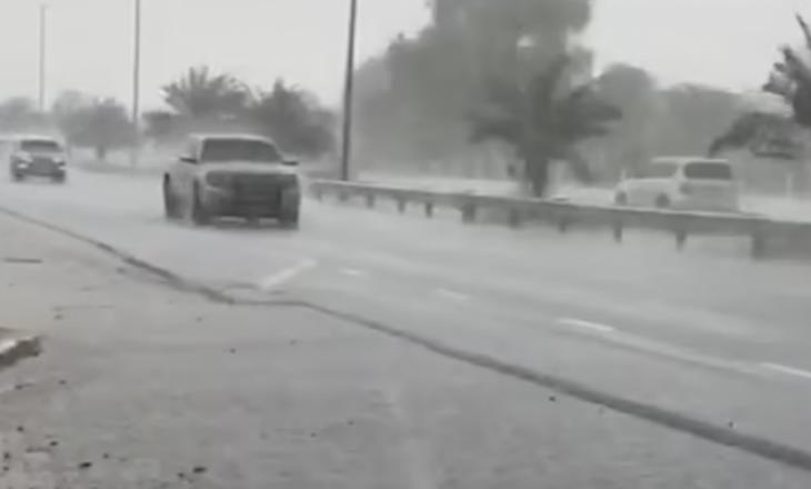 Temperaturat mbi 50 gradë Celsius, Emiratet e Bashkuara krijojnë shiun