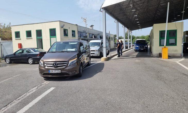 Arrijnë në Shqipëri, trupat e viktimave nga aksidenti në Kroaci