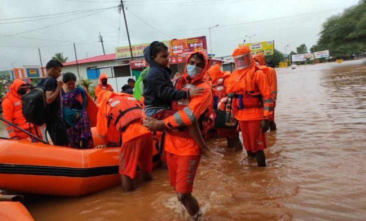 Mbi 110 të vdekur pas reshjeve të mëdha në Maharashtra të Indisë