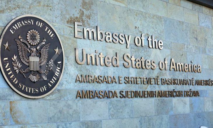 Ambasada amerikane: Viktimat e dhunës seksuale meritojnë drejtësi, kërkojnë angazhim urgjent