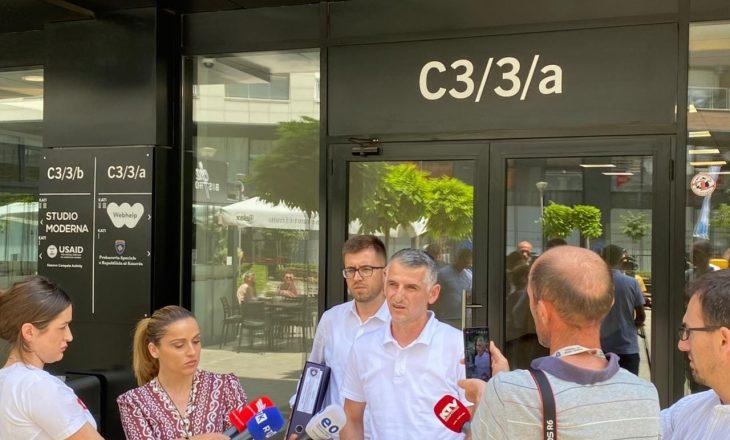 """Zv-ministri i Infrastrukturës dorëzon në Prokurorinë Speciale një kontratë të dyshimtë """"për aferë korruptive"""""""