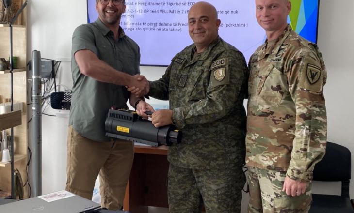 ShBA-ja e ndihmon FSK-në me paisje
