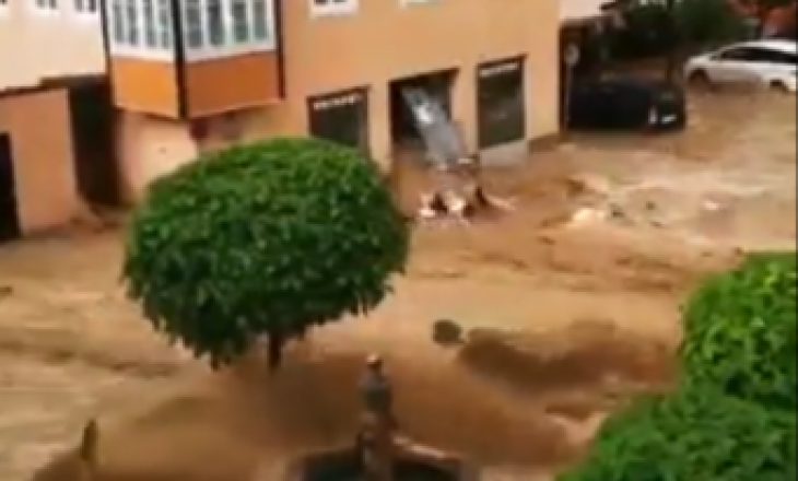 Përmbytet qyteti Hallein në Austri, pas reshjeve të mëdha