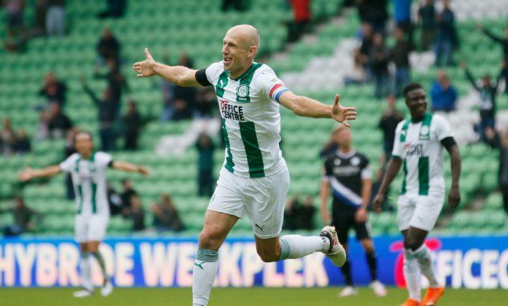 Arjen Robben pensionohet nga futbolli aktiv