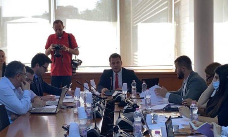 Ish-kryeministri Hoti e ministri Murati përplasen për rishikimin e buxhetit