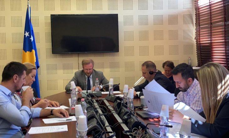 Deputetët kërkojnë strategji të qartë karshi vendeve që s'e kanë njohur Kosovën