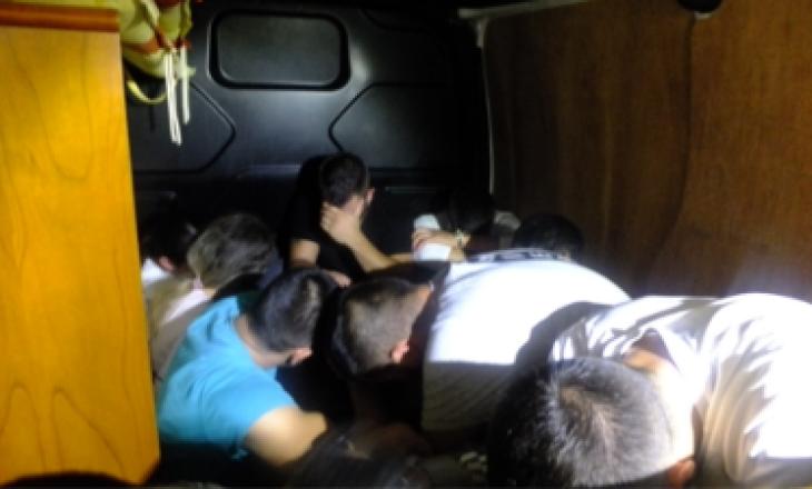 Shkatërrohet grupi kriminal që transportonte shqiptarë në Angli, shtatë të arrestuar