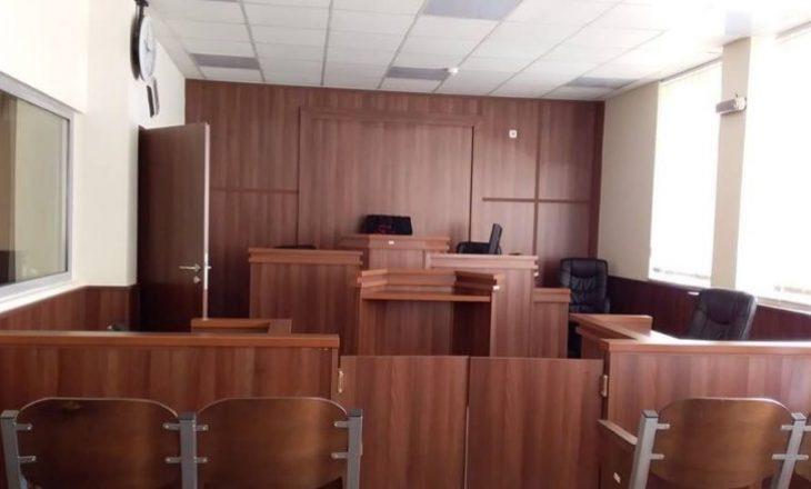 Deputetja e VV-së e shtrirë në QKUK, shtyhet gjykimi ku ajo dhe pesë të tjerë po akuzohen për korrupsion