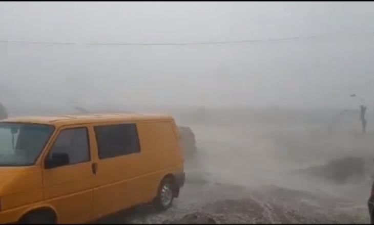 Pamje nga stuhia e fuqishme që ka goditur Skenderajn dhe Drenasin