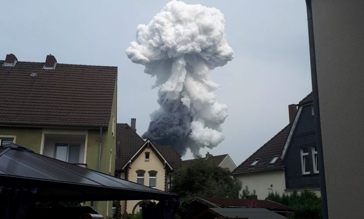 Dy të vdekur e disa të zhdukur nga shpërthimi në një park industrial në Gjermani