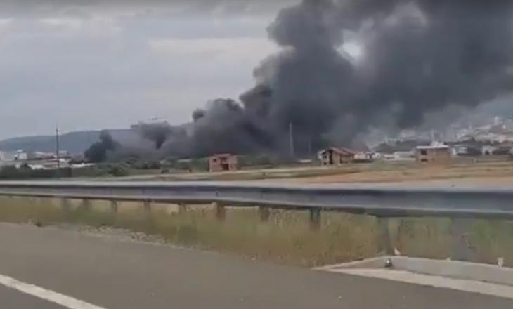 Policia jep detaje për djegien e disa depove në Fushë Kosovë