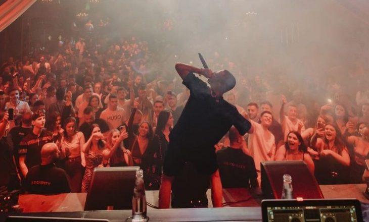 Don Xhoni pohon se në koncertin e tij në Skenderaj u përdorë armë, prezent mijëra qytetarë