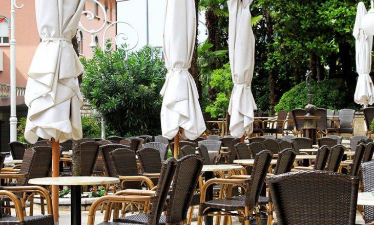Gastronomët tregojmë nëse do t'i zbatojnë kufizimet anti-COVID, pasi ministri Murati si ftoi ende në takim