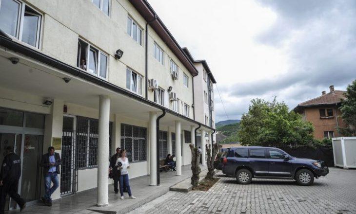 Pas bojkotit, serbët vazhdojnë punën normalisht në Gjykatën Themelore të Mitrovicës
