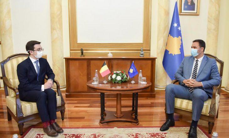 Kryeparlamentari takohet me shefin e ri të Zyrës Diplomatike të Belgjikës