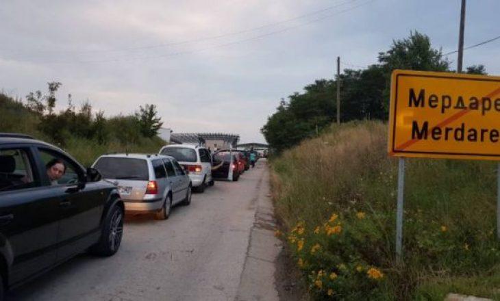 Pritjet kufitare në Merdarë deri në dy orë e gjysmë