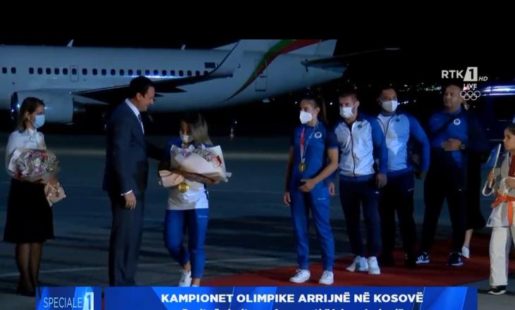 Ekipi olimpik i xhudos mbërrinë në aeroportin e Prishtinës