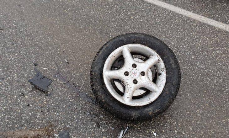 Një e vdekur e shtatë të lënduar në një aksident trafiku në Pejë