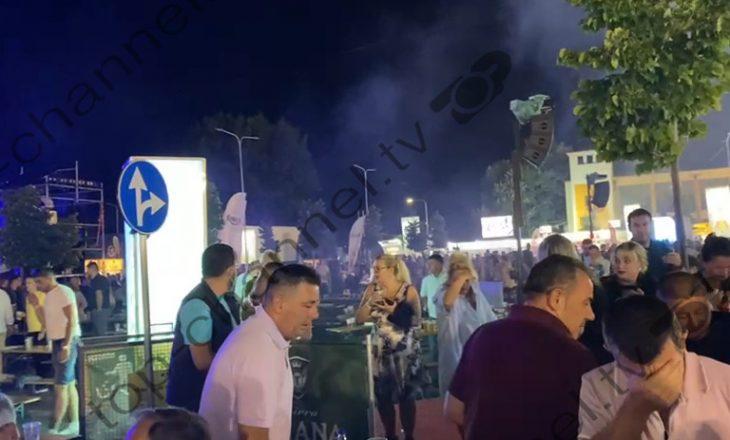 Korçë: Hidhet gaz lotsjellës në koncertin ku po përformon Goran Bregoviç