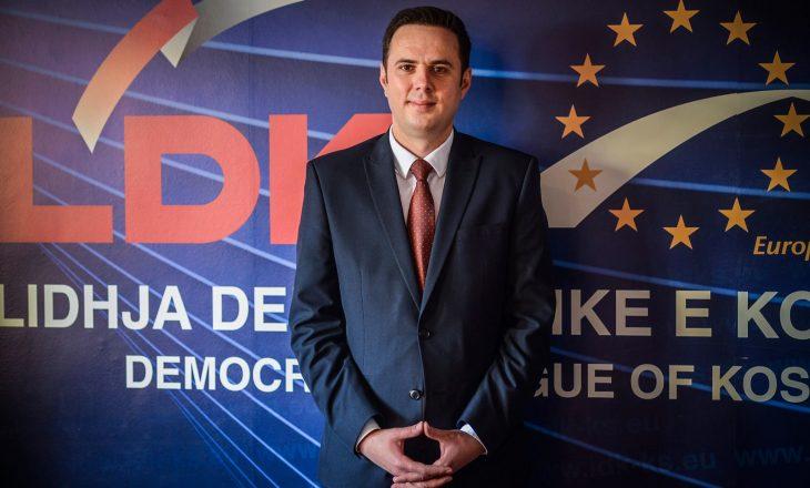"""""""Qeveria Kurti po e ri-instalon Serbinë në Kosovë"""""""